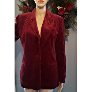 Very beautiful shoulder padded velcro blazer